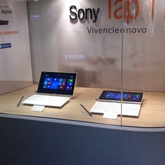 Photo taken at Sony Store by Lucas D. on 5/13/2014