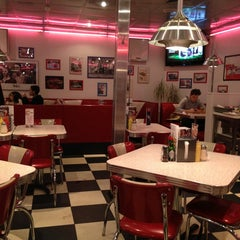 Photo taken at Starlite Diner by Maxim on 3/13/2013