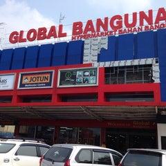 Photo taken at Global Bangunan by Hendri J. on 9/22/2014