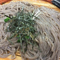 Photo taken at 그집 (Gujip Restaurant) by heonjune k. on 1/11/2015