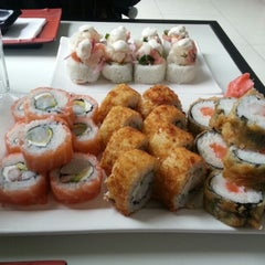 Photo taken at Niu Sushi by Wei Ying K. on 7/4/2012