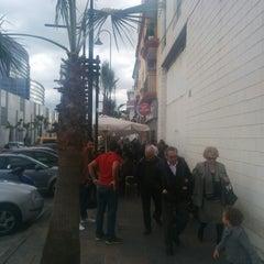Photo taken at Freiduría y Marisquería Villalba by Angel G. on 2/21/2015