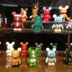 Photo taken at Disney's Character Warehouse by Ivens  L. on 1/3/2013