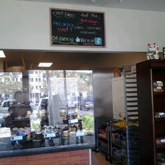 Photo taken at Cupcake and Things Bakery by Ao H. on 3/2/2013