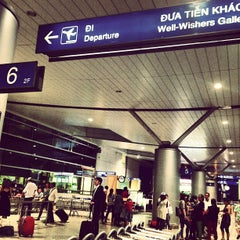 Photo taken at Tan Son Nhat International Airport (SGN) Sân Bay Quốc Tế Tân Sơn Nhất by Ken N. on 6/19/2013