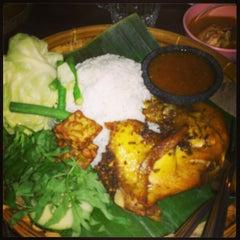 Photo taken at Restoran Nur Rihana by Joanne NicoleAnn on 1/26/2013