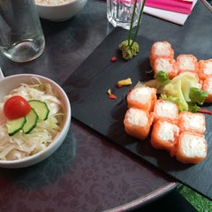 Photo taken at Planet Sushi by Matmazel M. on 9/5/2014