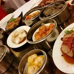 Photo taken at Jasmine Seafood Restaurant by David B. on 10/20/2014