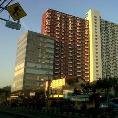 Photo taken at Jalan Margonda Raya by Prasena AJI B. on 8/18/2013
