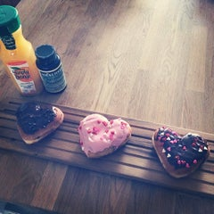 Photo taken at Dunkin Donuts by Angela I. on 2/11/2014