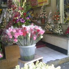 Photo taken at Pasar Bunga Wastukencana by Ega M. on 8/22/2014