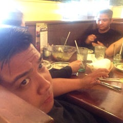 Photo taken at Olive Garden by Teejay M. on 6/7/2015