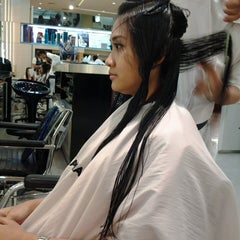 Photo taken at IRWANTEAM Hairdesign by dheia m. on 12/1/2013