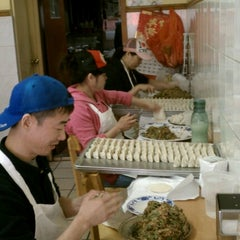 Photo taken at Lam Zhou Handmade Noodle by Jaime S. on 11/18/2012