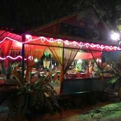 Photo taken at Bahtera Santai Ikan Bakar by Nurfadhilah A. on 11/8/2014