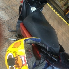 Photo taken at Bali Surf Outlet (BSO) by Andy M. on 6/10/2014