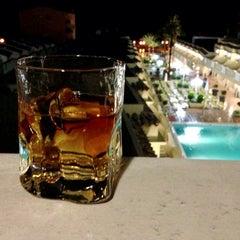 Foto tomada en Hotel RH Casablanca Suites Peñíscola por Robin W. el 6/18/2013