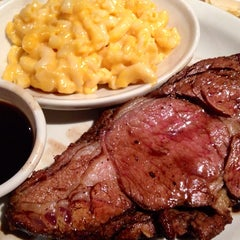 Photo taken at Logan's Roadhouse by Sherry M. on 9/23/2013