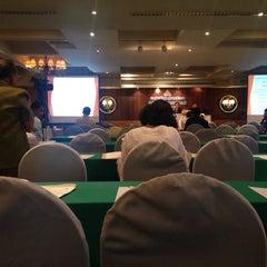 Photo taken at The Royal River Hotel (โรงแรมรอยัลริเวอร์) by Dolachai L. on 4/22/2015