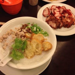 Photo taken at Hong Sin Restaurant by Maria J. on 1/10/2015