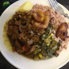 Photo taken at Natraliart Jamaican Restaurant by Miriam W. on 9/21/2013