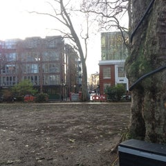Photo taken at Make Hoxton Square Snow by Alan B. on 12/15/2012
