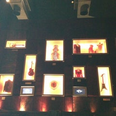 Photo taken at Hard Rock Café by Marianna P. on 2/21/2013