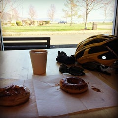 Photo taken at Piermont Bicycle Connection by Julius Erwin Q. on 4/12/2014