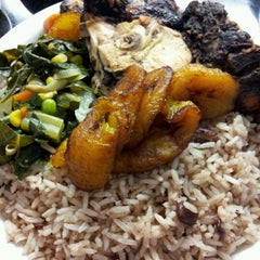 Photo taken at Natraliart Jamaican Restaurant by Marisol A. on 10/21/2012