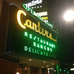 Photo taken at Canter's Delicatessen by Riccardo R. on 9/19/2013