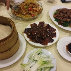 Photo taken at Happy Jade Seafood Chinese Restaurant by Judy N. on 8/7/2014