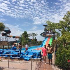 Photo taken at Aquatica San Diego by Per N. on 8/6/2015