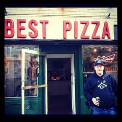 Photo taken at Best Pizza by Jeffrey O. on 4/19/2012