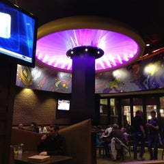 Photo taken at Mellow Mushroom Pizza Bakers by Eric S. on 3/11/2012