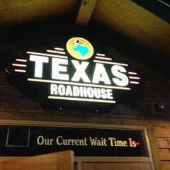 Photo taken at Texas Roadhouse by Jason H. on 8/26/2012