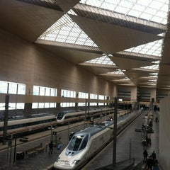 Photo taken at Estación de Zaragoza - Delicias by Tomás R. on 4/29/2012