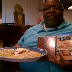 Photo taken at Red Lobster by Lloyd C. on 4/25/2012