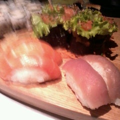 Photo taken at Sushi Drive by Luciane L. on 3/28/2012