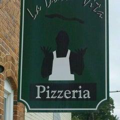 Photo taken at La Dolce Vita Pizzeria by John on 4/20/2012