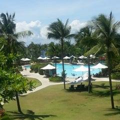 Photo taken at Shangri-La's Mactan Resort and Spa by Glenn O. on 8/27/2012