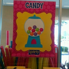 Photo taken at iParty (now Party City) by Wyl C. on 4/11/2012