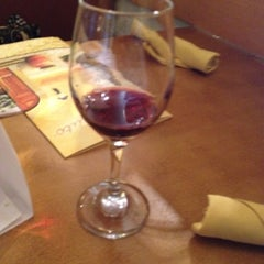 Photo taken at Olive Garden by Lori on 8/24/2012