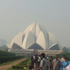Photo taken at Lotus Temple (Bahá'í House of Worship) by The Blue Titan .. on 10/27/2012