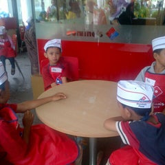 Photo taken at Domino's Pizza by L ! A on 12/27/2014