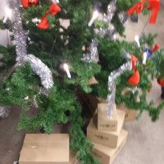 Photo taken at NetOnNet by Kent L. on 12/27/2012