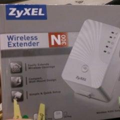 Photo taken at NetOnNet by Kent L. on 12/22/2012