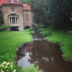 Photo taken at Winterthur Museum, Garden & Library by Sparky J. on 6/18/2013
