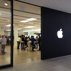 Photo taken at Apple Store, Cherry Creek by Craig H. on 2/3/2013