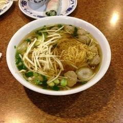 Photo taken at Pho Tau Bay by shinji o. on 10/20/2012