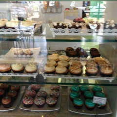 Photo taken at Cupcake Couture by Keith H. on 7/20/2013